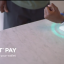 フィットビット・ペイのイメージ(出典:米・Fitbit社のWebページより)